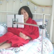 tablet_stand_Bed